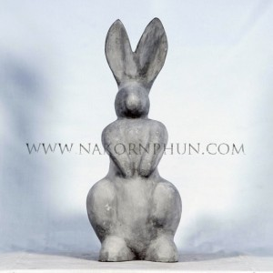 550_121_concrete_statute_rabbit_2