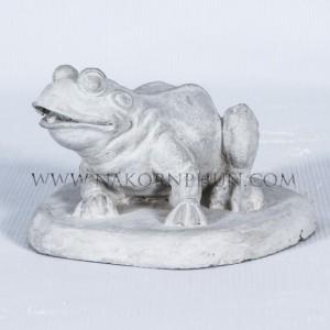 550_49_concrete_statute_frog_01