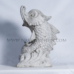 550_84_concrete_statute_dragon_fish_wave_45x55cm